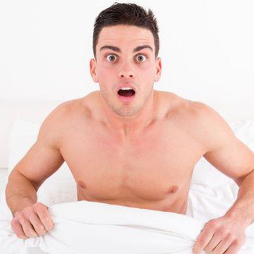 testiculul este strâns în timpul unei erecții produse care îmbunătățesc erecția pentru bărbați